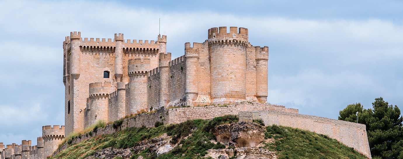 Castillo de Peñafiel, pueblo en el que se elabora Flor de Esgueva