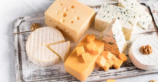 selección de diferentes quesos